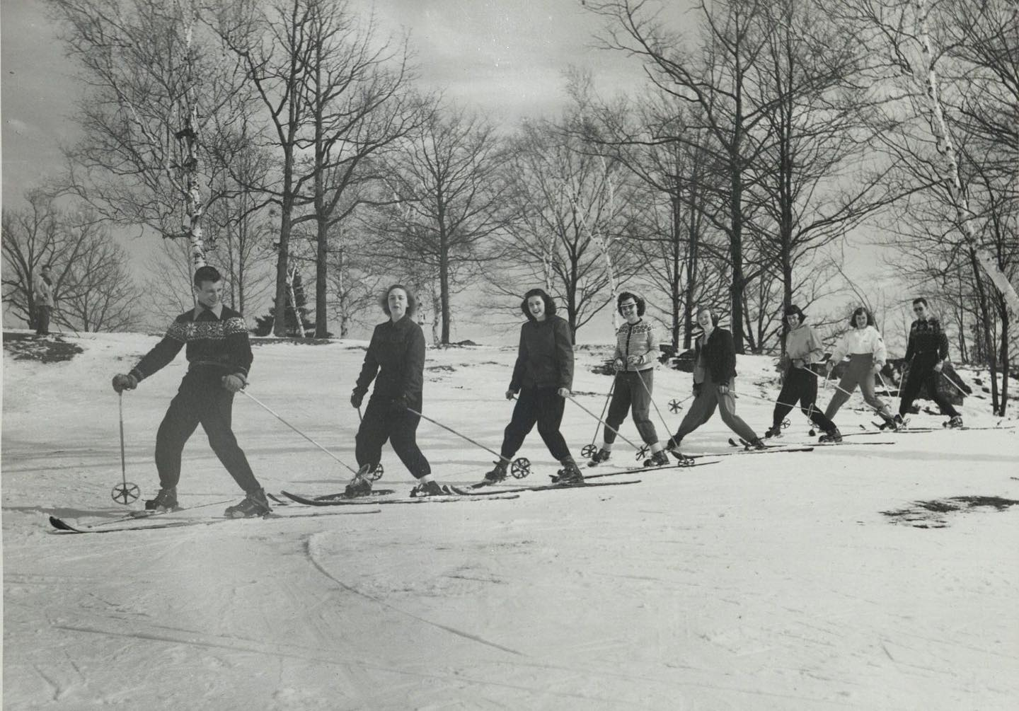 Getting ready to hit the slopes! UVM offered a very popular free recreational ski program in the late 1940s and early 1950s. Experienced instructors introduced students to basic fundamentals in daily lessons at the Burlington Country Club. Photo from the UVM Archives. #uvm #uvmlibraries #instauvm #librariesofinstagram